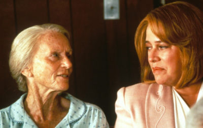 Jessica Tandy and Kathy Bates (l. to r.) in FRIED GREEN TOMATOES