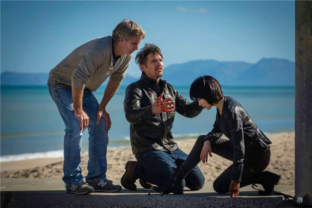 BRIAN SMRZ, ETHAN HAWKE, QING XU (l. to r.), behind-the-scenes of 24 HOURS  TO LIVE